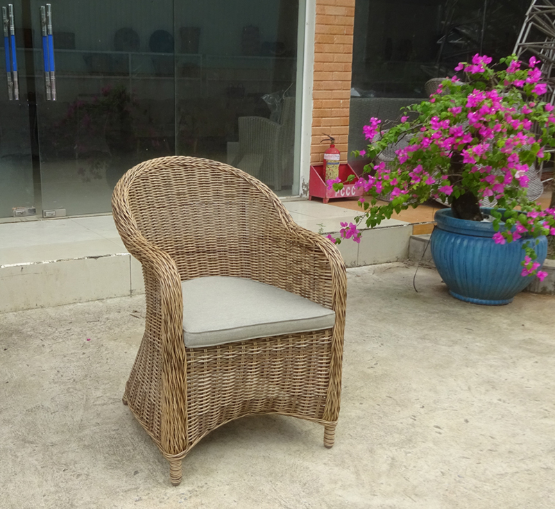 FORMOSA CHAIR
